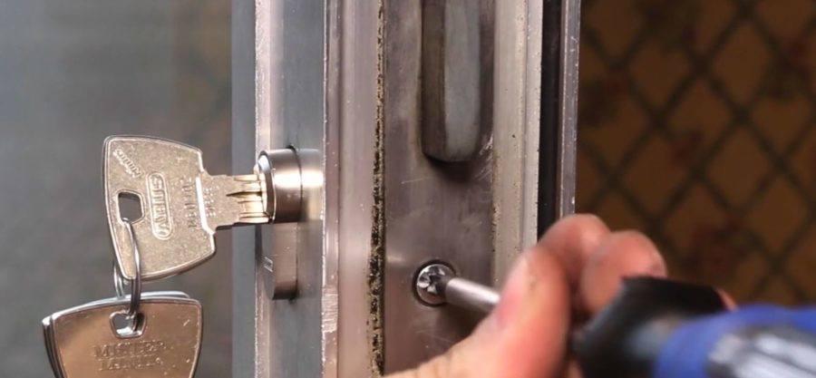 Cylinder Replacement 2 - ¿Com millorar la seguretat de casa meva?