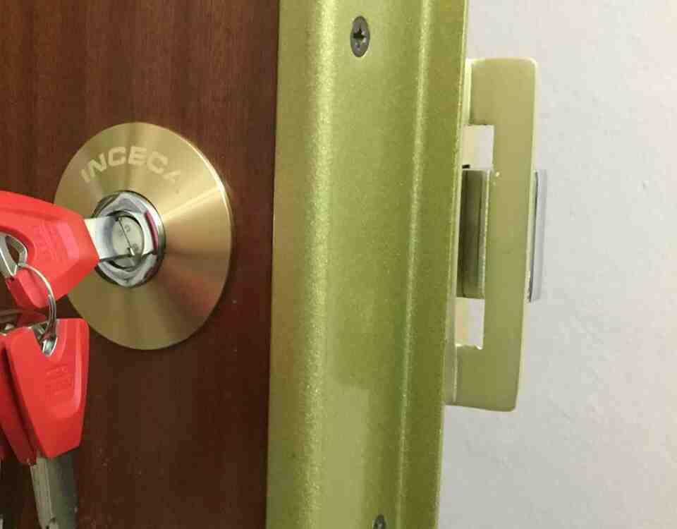 cerradura inceca 960x750 - Servei tècnic Inceca de serralleria 24 hores a Barcelona